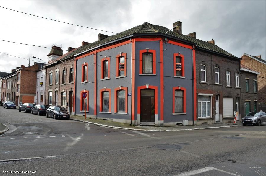 Bureau godin immeuble à rénover à charleroi