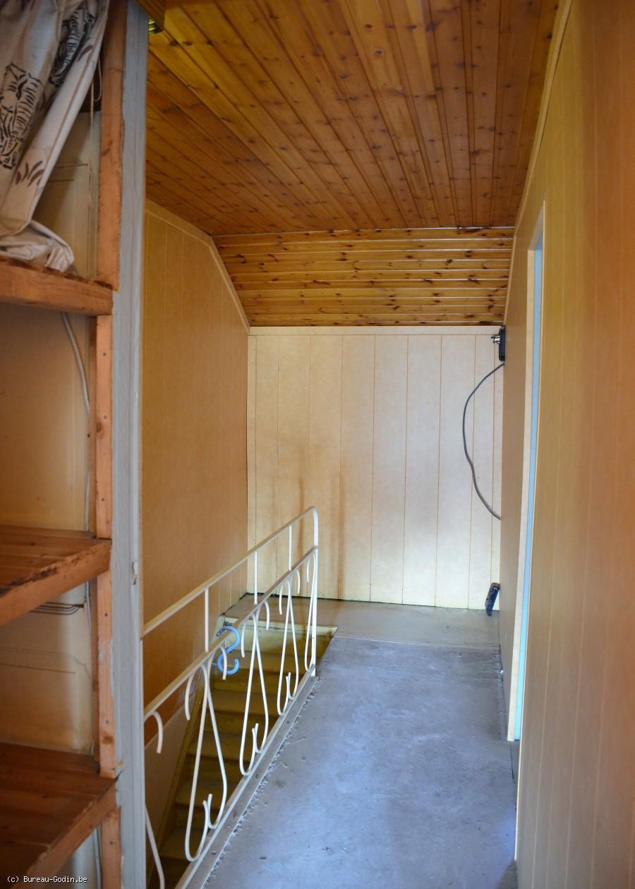 bureau godin maison avec grand jardin charleroi. Black Bedroom Furniture Sets. Home Design Ideas