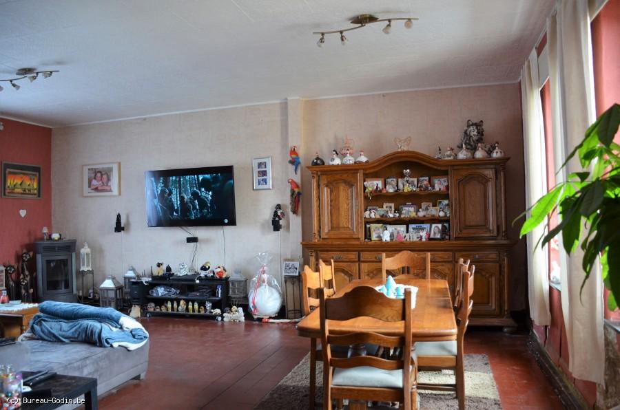 Bureau godin maison familiale de chambres à fléron