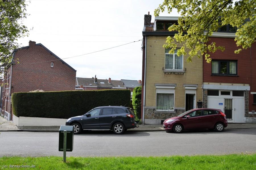 Bureau godin maison façades avec jardin et studio indépendant