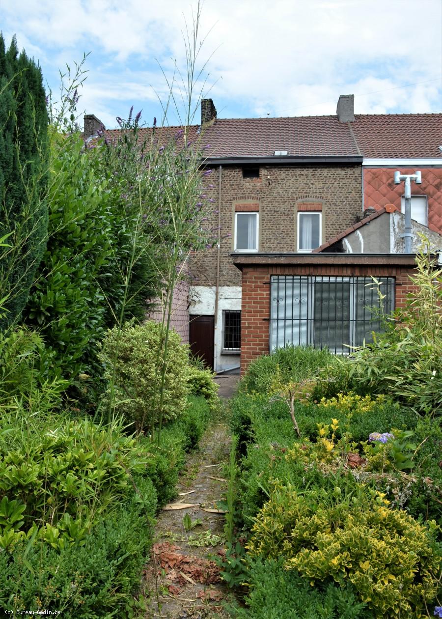 bureau godin maison 3 chambres rafra chir avec jardin. Black Bedroom Furniture Sets. Home Design Ideas