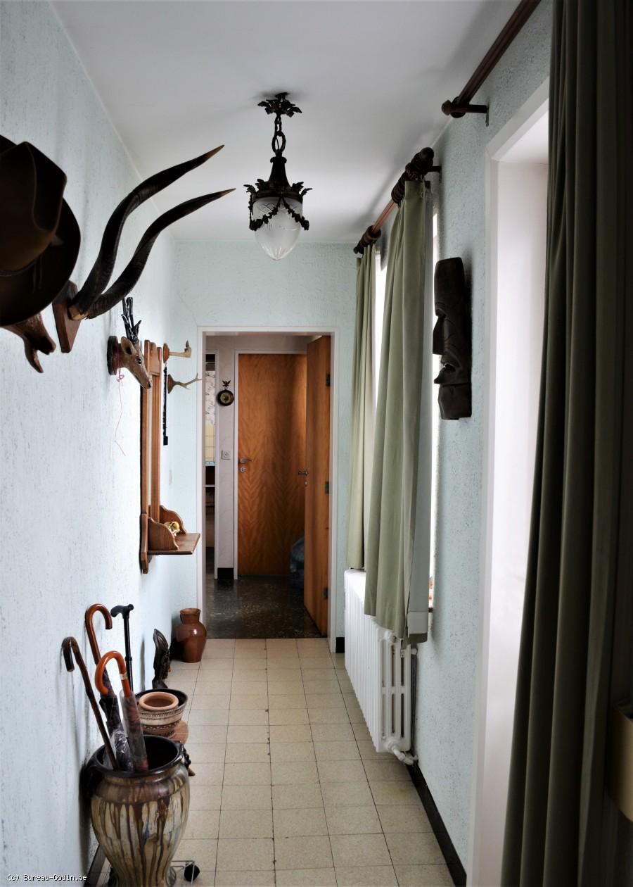 bureau godin spacieux appartement 3 chambres rafra chir au 4 me et dernier tage de l. Black Bedroom Furniture Sets. Home Design Ideas