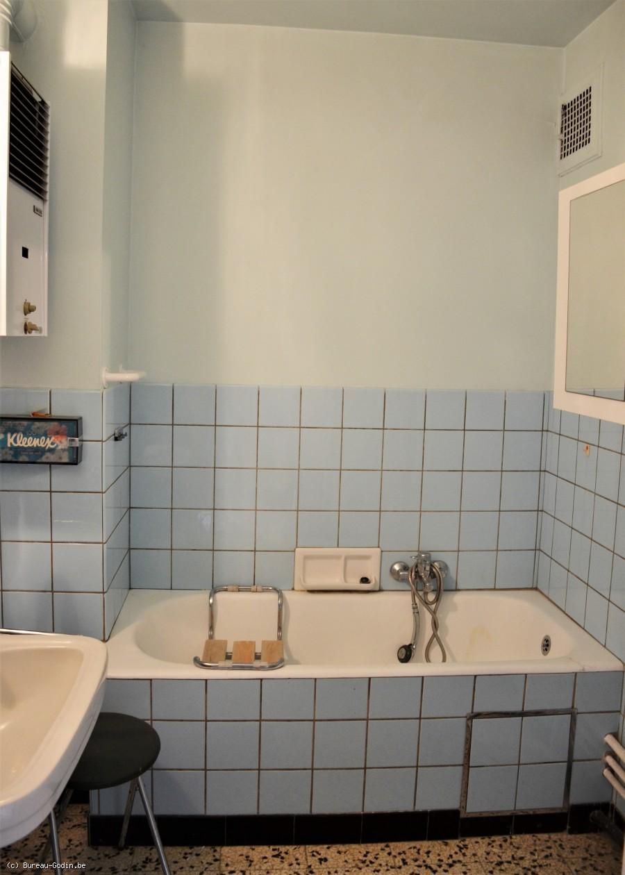 bureau godin appartement 2 chambres rafra chir li ge. Black Bedroom Furniture Sets. Home Design Ideas