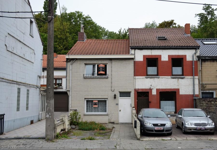 Bureau godin maison 2 chambres avec parking 2 voitures en façade