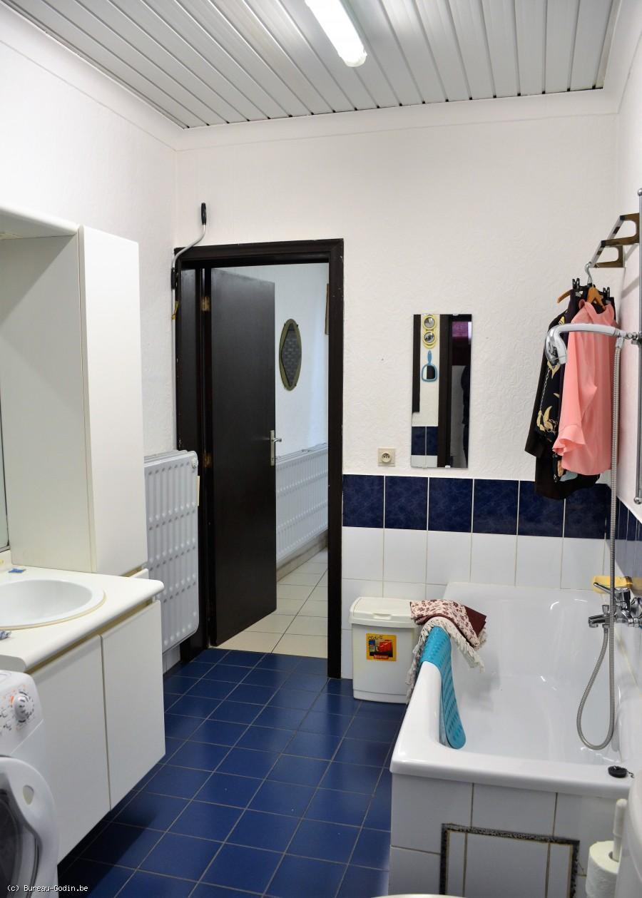 bureau godin maison rafra chir 4 chambres quip e. Black Bedroom Furniture Sets. Home Design Ideas
