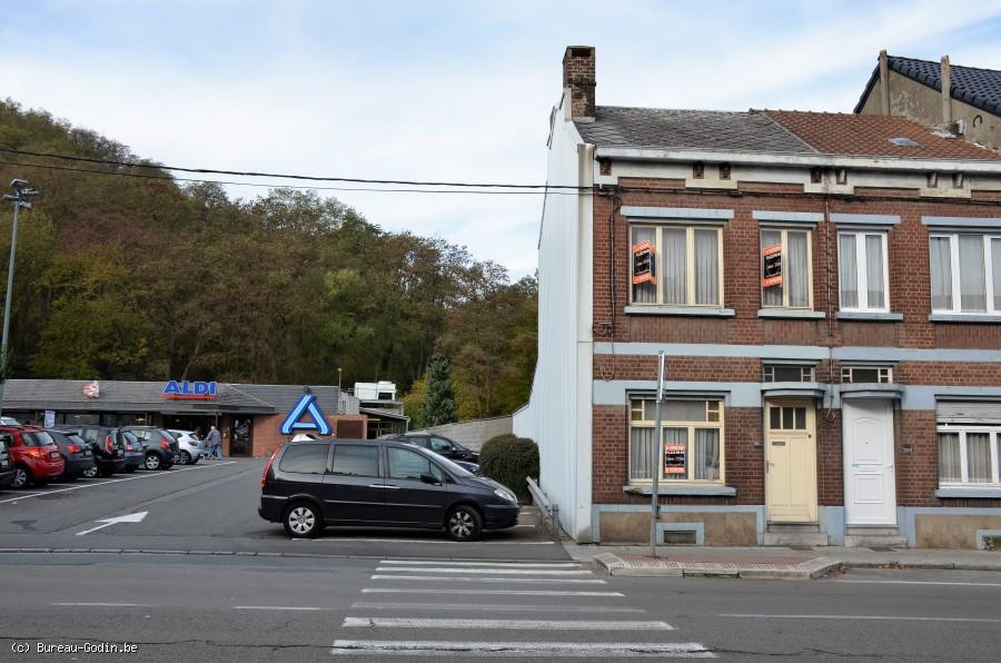 Bureau godin maison façades à rénover à charleroi