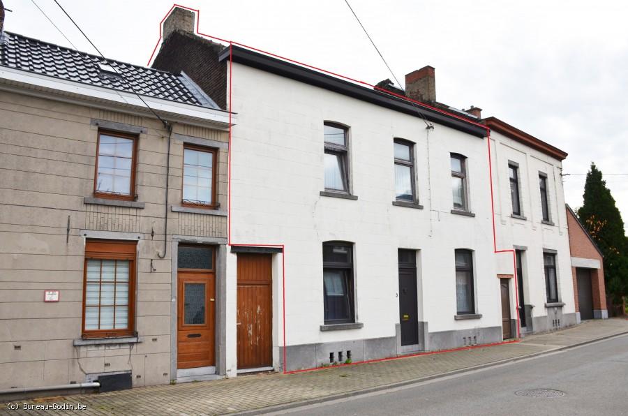 Bureau godin maison d habitation à rénover avec passage latéral