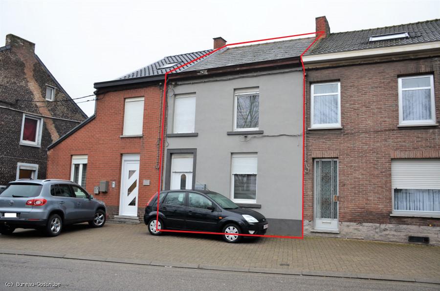 Bureau godin maison chambres avec jardin et place de parking à